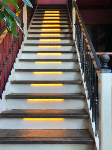 Ledstrip trapverlichting voor 15 treden | Shada.nl